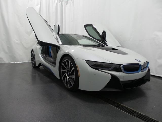 Make Bmw Model I8 Year 2014 Mileage 2511 Exterior Color CRYSTAL WHITE PEARL METALLIC W BMW I FROZEN BLUE Interior PURE IMPULSE CARUM